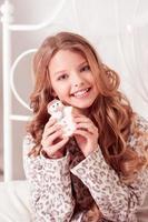 lächelndes kig Mädchen foto