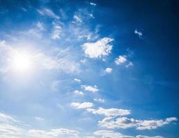 blauer Himmel. foto