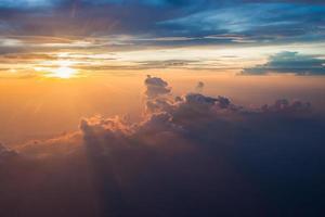 bewölkter Morgenhimmel.