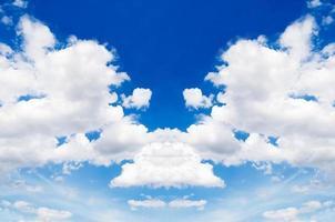 Konzept Reflexion schönen Himmel. foto