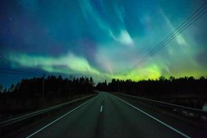 Nordlichter (Aurora Borealis) am Himmel foto