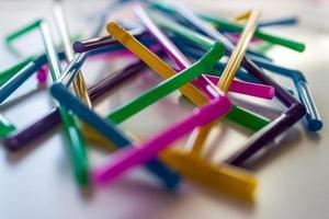 farbige Strohhalme foto