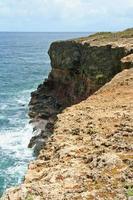 Klippe in Spur des Salzes, Martinique, Frankreich.
