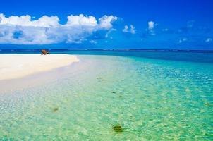 Stuhl auf der schönen Insel foto