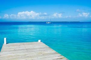 Meditation und Entspannung am Pier foto