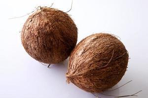 Kokosnüsse - ganz