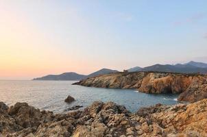 Sonnenuntergang an der Küste von Galeria (Korsika) foto