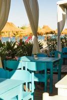 Restaurant mit Panoramablick auf den Strand foto