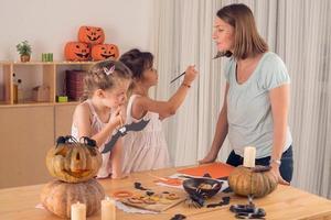 Vorbereitung für Halloween-Feier foto