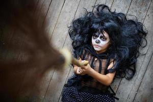 Hexe mit Besen foto