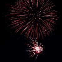 großes und kleines Feuerwerk foto