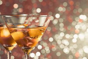Paar frische Cocktailcocktails mit Eis foto