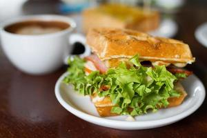 Mocca-Kaffee im Café-Laden foto