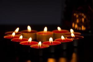 Kerzen in Form eines Herzens foto