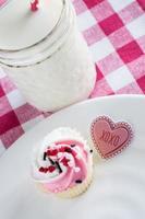 Valentinstag Cupcake mit Kusszeichen foto