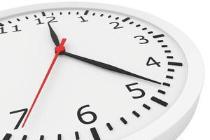 Uhr mit Pfeilen und Zahlen foto