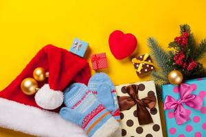 Herzform und Weihnachtsgeschenke foto