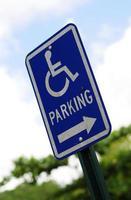 Behindertenparkplatz foto