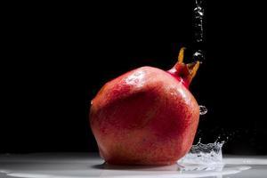 Granatapfel Spritzwasser