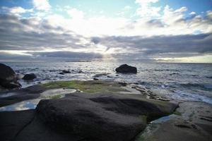steiniger Strand foto