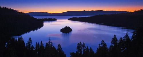 Smaragd Bucht bei Sonnenaufgang, See Tahoe foto