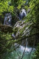 Wasserfall in freier Wildbahn foto