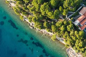 Luftaufnahme der kroatischen Küste foto