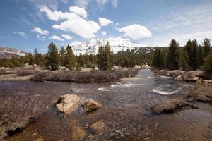 Teil des Flusses im Yosemite-Nationalpark foto