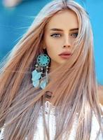 Mädchen mit blonden Haaren foto