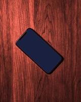 Smartphone auf dem Tisch