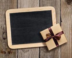 Tafel und Geschenkbox foto