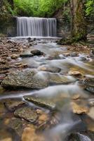 abgelegener Ohio Wasserfall