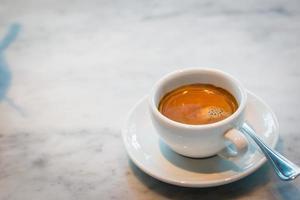 Kaffeetasse mit Buch