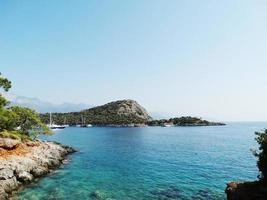 Küstenlandschaft des Mittelmeer-Truthahns