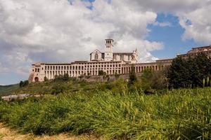 basilica di san francesco d'assisi, assisi, perugia, umbrien, italia