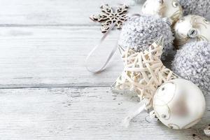 Weihnachtsschmuck in Silber