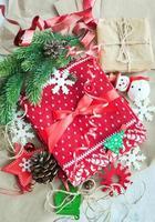 Weihnachtsgeschenk und Dekorationen