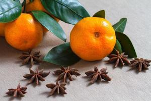 Früchte und Gewürze