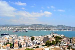 Panoramablick auf Ibiza, Spanien