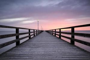 Pier vor Sonnenaufgang, Ostsee, Ahlbeck (Heringsdorf) Deutschland, Natur