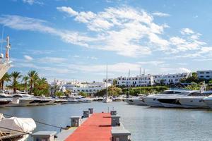 Blick auf den Yachthafen von Cala d'or foto