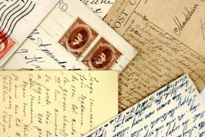 Postkarten und arabische Briefmarken foto