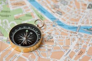 Kompass auf Karte von Italien Rom