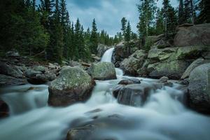 alberta fall - felsiger berg nationalpark foto