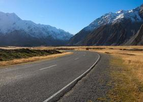 Straße im Mount Cook National Park foto