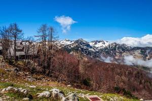 Berge und See aus dem Triglav-Nationalpark foto