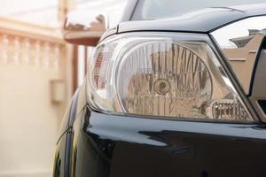 Nahaufnahme des Autoscheinwerfers