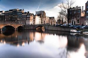 Amsterdam Niederlande Kanal in der Stadt