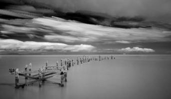 Langzeitbelichtung Schwarz-Weiß-Seestück Landschaft