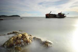 Boot gekentert foto